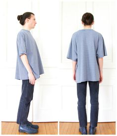 90 s boxy Striped T-shirt / Oversize Grunge par AndVintageClothing