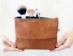 "make-up tas ""Manoo"" - cognac bruin van ♠pikfine // all selfmade stuff op DaWanda.com"