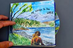 Mixed Media Levyn kannen suunnittelu. Oppilas valitsee esim. lempikappaleensa ja kuvittaa sen aiheilla levynkannen. Vesiväriä, lehtikuvia, tussia yms.