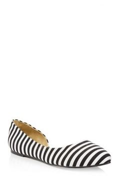 Tall girls, the search for on-trend large size women's shoes ends here! Find the ultimate large size shoes collection for large feet in sizes AU Clothing For Tall Women, Clothes For Women, Semi D, Large Size Shoes, Wardrobe Solutions, Long Tall Sally, Shoes Too Big, Large Women, Shoe Collection