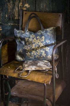 Beautiful!  Pined not so much for the purse but for the picture.