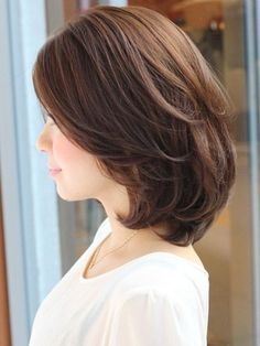 Love this haircut- side Bride Hairstyles, Pretty Hairstyles, Bob Hairstyles, Medium Hair Styles, Short Hair Styles, Cabello Hair, Asian Short Hair, Long Hair Cuts, Shoulder Length Hair