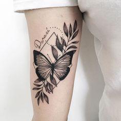 rebecca nobre (@rebeccanobretattoo) • Fotos e vídeos do Instagram Wrist Tattoos, Skull Tattoos, Body Art Tattoos, Sleeve Tattoos, Butterfly With Flowers Tattoo, Tribal Butterfly Tattoo, Pretty Tattoos, Unique Tattoos, Cool Tattoos