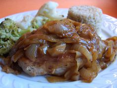 Pork Chops in Onion Sauce (Schweinekotelett in Zwiebelsosse). Photo by Derf