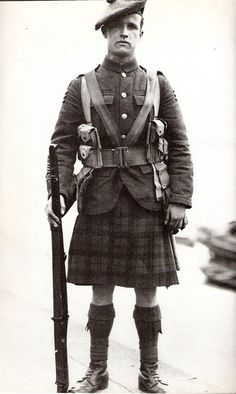 tea-time-for-sylvielou:    Scottish soldier