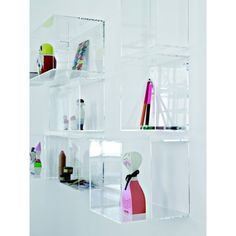 21 Remarkable Acrylic Furniture Ideas for a Spacious Home Regal Display, Toy Display, Display Boxes, Visual Display, Display Ideas, Box Shelves, Display Shelves, Wall Shelves, Display Cabinets