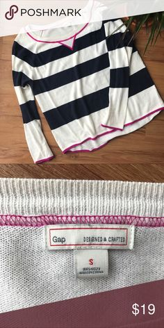 Gap cotton scoop neck loose fit striped sweater Soft sweater perfect for layering. Zero flaws!! Bundle for discount. GAP Sweaters Crew & Scoop Necks