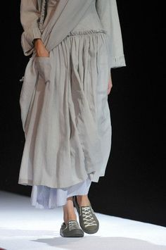 Gathers with really lightweight fabric and pockets! Yohji Yamamoto Spring 2012 - Details: