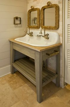 House Tour:  Sullivan's Island - a great space saving way to accommodate two sinks. (no place to really set anything down - like blow dryer, straightener, or makeup - but you are at the beach - who cares?