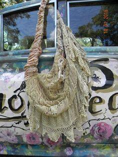 Authentic Magnolia Pearl Large Purse Hand Bag   Antique Lace  Silk Velvet   Rare