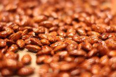 Brente mandler | Matlidenskap.com Beans, Vegetables, Christmas, Food, Xmas, Essen, Vegetable Recipes, Navidad, Meals