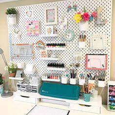 IKEA Skadis craft room pegboard/craft room organization makeover – Office organization at work Pegboard Craft Room, Craft Room Storage, Kitchen Pegboard, Pegboard Garage, Pegboard Display, Tool Storage, Ikea Pegboard, Bedroom Storage, Paper Storage