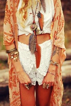 Feather necklaces and adorable outfit