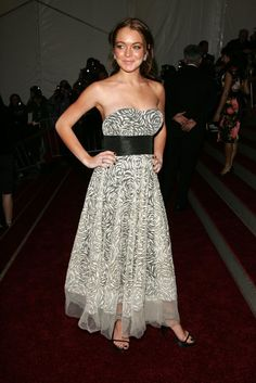 Pin for Later: 75 Moments Inoubliables du Met Gala Lindsay Lohan — 2006