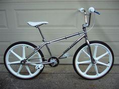 1990 Free Agent Limo 24 - BMXmuseum.com Vintage Bmx Bikes, Vintage Skateboards, Cycling Art, Cycling Quotes, Cycling Jerseys, Free Agent Bmx, Bmx Brakes, Bmx Wheels, 24 Bmx