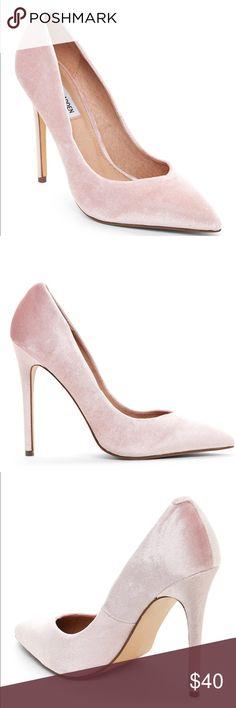 Steve Madden Pumps New Pink velvet pumps Steve Madden Shoes Heels