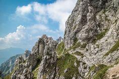 Racconto della via ferrata che dai Piani Resinelli arriva fino alla vetta della Grignetta (o Grigna Meridionale), in provincia di Lecco.