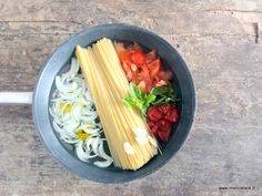 Comment faire un one pan pasta ? One Pan Pasta, No Salt Recipes, One Pot, Celery, Food To Make, Nom Nom, Good Food, Dishes, Vegetables
