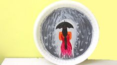 Painting Art For Wall - Plate Painting Idea Wall Painting Decor, Rain Painting, Painting Tips, Arts And Crafts, Paper Crafts, Diy Crafts, Girl In Rain, Paper Swan, Disposable Plates