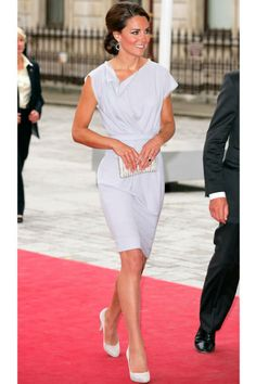 A bronzed Kate Middleton steps out in Roksanda Ilincic