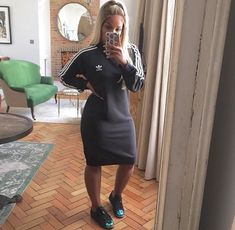 interview outfits with leggings Tomboy Outfits, Dope Outfits, Girl Outfits, Casual Outfits, Fashion Outfits, Fashion Clothes, Modest Wear, Adidas Outfit, Mode Style