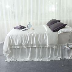 19 Momme Silk Nightgown and Robe Sets Silk luxury Sleepwear – slipintosoft Silk Bedding, Duvet Bedding, Silk Sheets, Flat Sheets, Bed Sheets, Bedding Sets Online, Luxury Bedding Sets, Bed Duvet Covers, Duvet Cover Sets