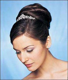 9358df86f Peinados y Recogidos altos de novia descubre todas las fotos e ideas en  recogidos altos para novias que te ofrecemos en esta categoría especial de  recogidos ...