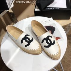 Chanel 2018 new woman espadrilles