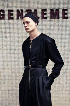 Layered Complexity: Architecture-inspired Menswear by Benjamin Bertram   http://www.yatzer.com/benjamin-bertram