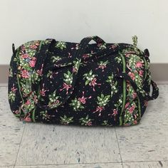Vera bradley floral duffle bag. New hope Long straps, great for travel carry on. Vera bradley floral duffle bag New Hope Vera Bradley Bags Travel Bags