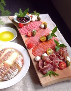 Antipasto platter with ciabatta