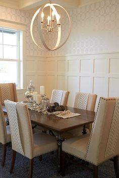 beautifully decorated dining room orb lighting chandelier cream - could I put orbs around our existing chandelier - and add fabric to chairs? Kitchen Dining, Dining Rooms, Dining Tables, Dining Room Design, Interiores Design, Fine Dining, Decoration, Interior Decorating, Decorating Ideas
