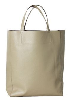 Crafted from lightweight faux leather, Angela · Roi's Everyday tote boasts a sleek, minimalist structure that makes it supremely versatile. Make it your go-to vegan bag for shopping trips, long commutes, and days that call for elegant simplicity. Angela · Roi's white and ivory styles benefit the Lung Cancer Alliance.