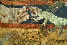 Teotihuacan, Complejo de los animales fantásticos  Período clásico, fase de Xolalpan, 350 - 550 d.C.  Estuco y pigmentos 80 x 310 x 3,3 cm Zona Arqueológica de Teotihuacan  Combate simbólico entre serpientes emplumadas y otros animales: peces alados, coyotes con espinas de obsidiana, jaguares con flores en el cuerpo.