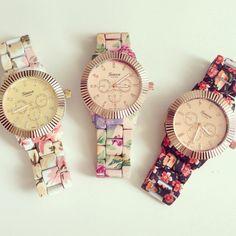 louun — Floral Wing Metal Watch