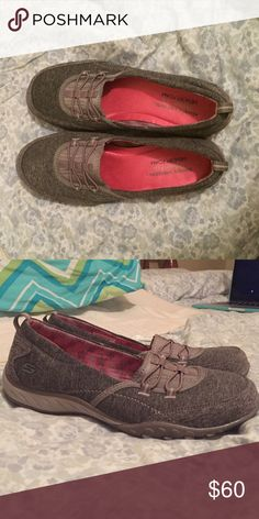Skechers Relaxed fit memory foam shoes Skechers Relaxed fit memory foam slip on shoes. Never worn. New without tags. Light heather grey color with pink sole. Great slip on shoes that are casual or dressy. OFFERS WELCOME Skechers Shoes Sneakers