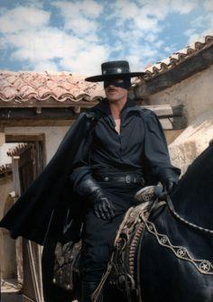 Duncan Regehr Zorro