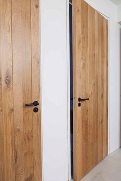 /Villa Amsterdam IJburg - House for Interior Interior Door Styles, Oak Interior Doors, Door Design Interior, Oak Doors, Modern Interior, Interior Decorating, Simple Home Decoration, Doors And Floors, Coastal House Plans