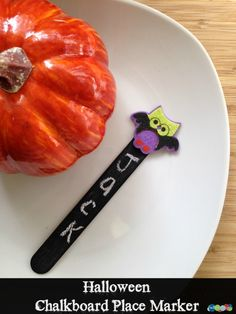 DIY Halloween Chalkboard Place Markers for Fun Party Seating!