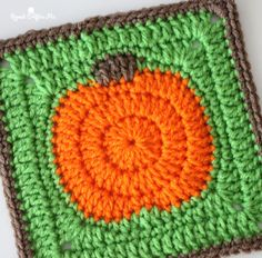 Crochet Pumpkin Granny Square - Repeat Crafter Me - Crochet Now - Granny Crochet Santa, Crochet Snowman, Crochet Christmas Trees, Crochet Pumpkin, Halloween Crochet, Crochet Squares, Crochet Granny, Free Crochet, Granny Squares