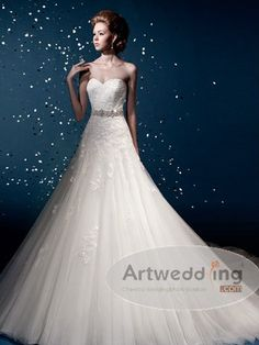 Appliqued Sweetheart Tulle Princess Wedding Dress with Belt.$288.00