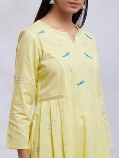 Pakistani Fashion Casual, Pakistani Dresses Casual, Pakistani Dress Design, Sleeves Designs For Dresses, Dress Neck Designs, Blouse Designs, Stylish Dresses For Girls, Kurta Neck Design, Kurta Designs Women