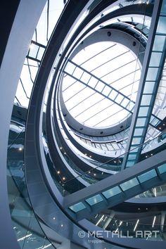 Stahl | Glas | Edelstahl | Das Gebäude als Spirale | MetallArt Metallbau Schmid GmbH