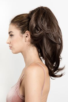 Susan - Wavy Clip-In Ponytail Extension