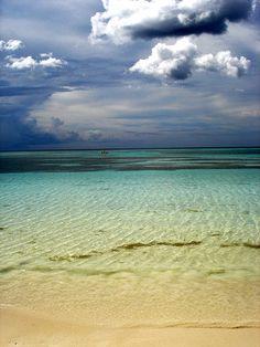 Guardalavaca Cuba (by Lapinadivina) Varadero, Beautiful Islands, Beautiful Places, Beautiful Pictures, Cuba Holguin, Puerto Rico, Matanzas Cuba, Places To Travel, Places To Visit