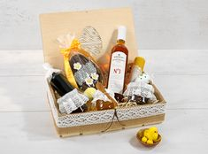 easter, mead, honey, gift Honey Wine, Mead, Picnic, Basket, Gifts, Presents, Picnics, Gifs, Picnic Foods