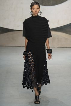 Marni Spring 2016 Ready-to-Wear Fashion Show - Lineisy Montero