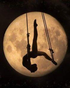 Imagen de moon, dance, art and ballet