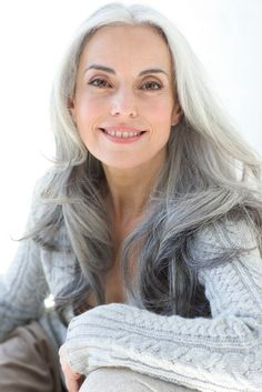 Beautiful gray hair - Yasmina Rossi - this is how i want my hair to look when i'm old :) by DavideB Older Women Hairstyles, Trendy Hairstyles, Scene Hairstyles, Hairstyles Haircuts, Yasmina Rossi, Long Gray Hair, Beautiful Old Woman, Ageless Beauty, Hair Dos