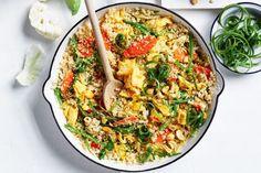 Curtis Stone's cauliflower fried rice Sweet Potato Patties, Sweet Potato Curry, Salad Recipes, Healthy Recipes, Vegetarian Recipes, Savoury Recipes, Healthy Dinners, Easy Dinners, Beef Recipes